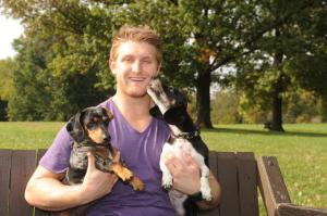 karl-alzner-with-dogs