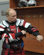 putin-plays-hockey-02