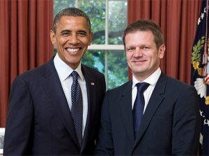 Amb. Kmec meeting with President Obama (Slovak embassy)