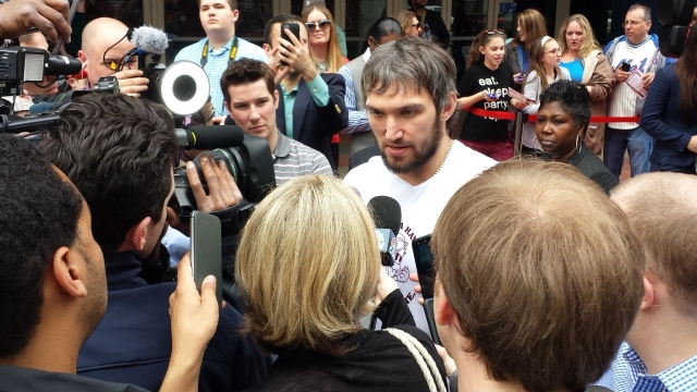 Ovi meets the press
